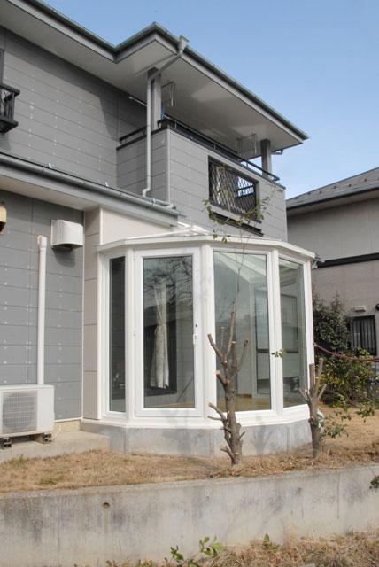 和洋折衷の既存住宅に悠Uサンルーム(外観2)
