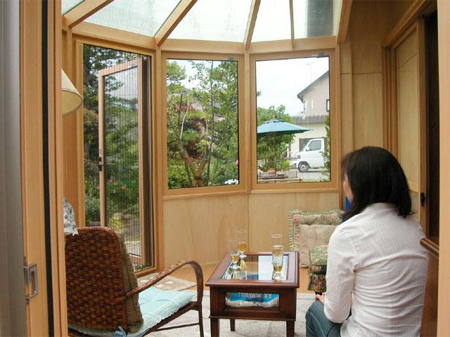 和風住宅に木のぬくもりを感じる悠Uサンルーム(内観2)