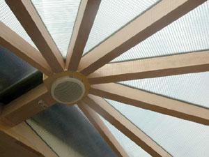 和風住宅に木のぬくもりを感じる悠Uサンルーム(屋根)