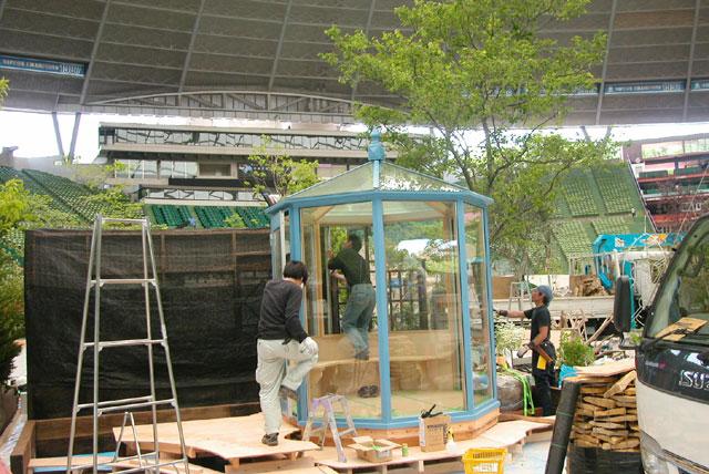 西部ドームにてショー開催に向けて悠Uサンルーム施工作業中です